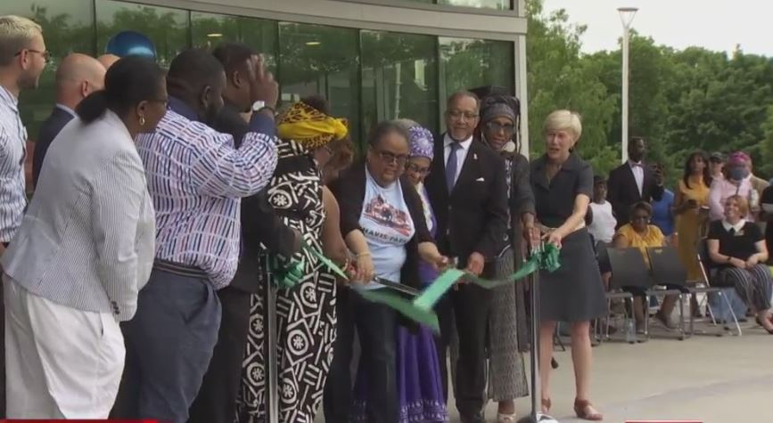 Community members and Raleigh executives gather to celebrate the reopening of Chavis Park