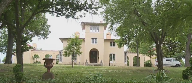 """""""I like going from ugly to pretty"""": Contractor Gets New Opportunity to Paint Historic Blandwood Mansion in Greensboro"""
